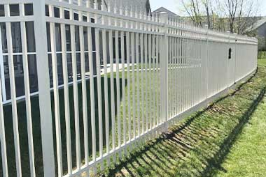 Custom fence builder St. Cloud